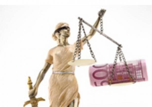 Gallardón dará marcha atrás parcial en la ley de tasas judiciales.