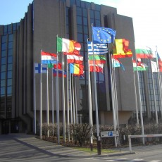Europa ve discriminatorio colocar los contadores de la luz más altos en los barrios 'gitanos'