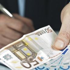 ¿Puede el empresario fraccionar la paga extra por causas económicas?