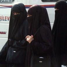 ¿Es discriminatorio exigir a una trabajadora musulmana la retirada del velo?