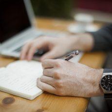 Europa aclara cuándo (y cómo) controlar el email corporativo en la empresa