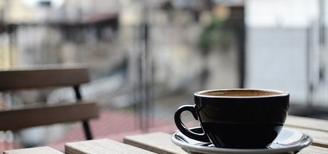Una caída en la salida para tomar un café… ¿Accidente laboral?