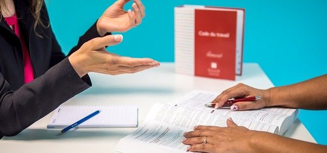 El TSJ de Canarias anula el despido de una víctima de violencia de género por faltar al trabajo