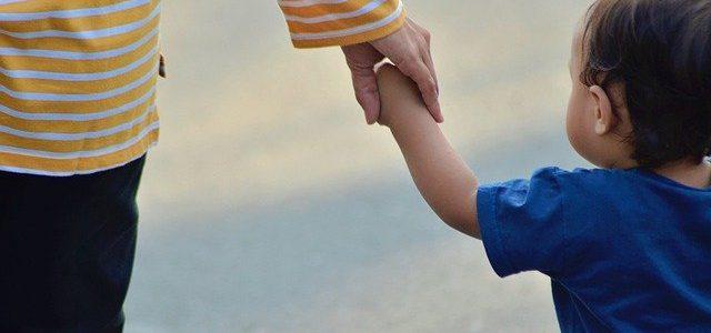 """¿Es legal dar una bofetada a un hijo para """"educarle""""?"""